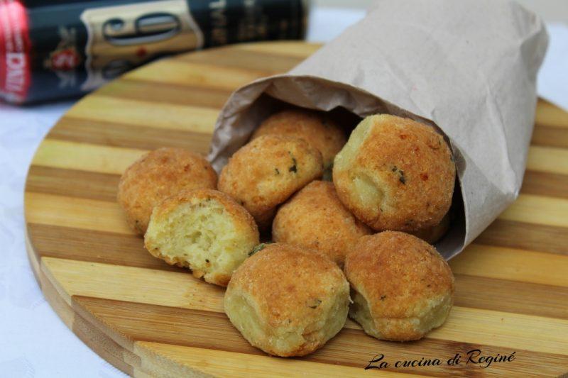 Polpette di pane e mozzarella