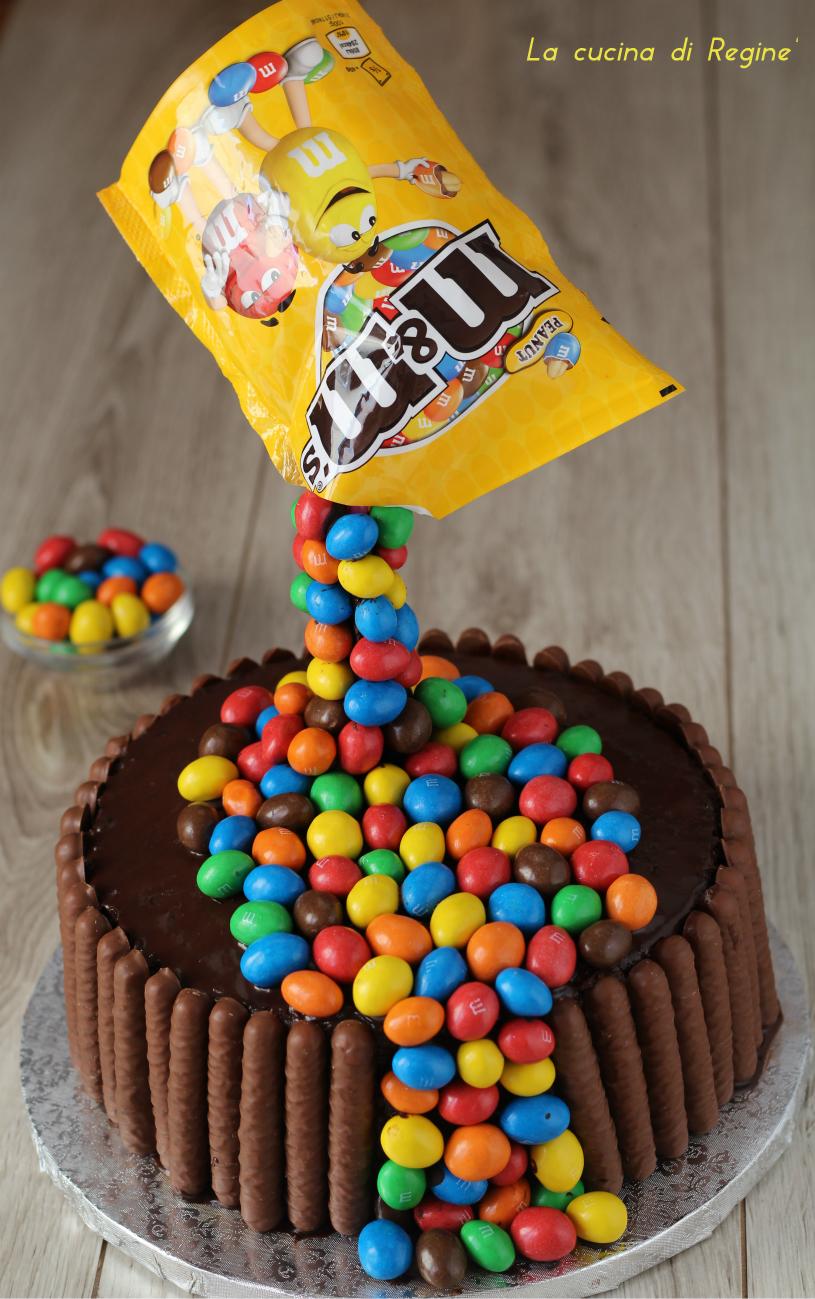 Gravity cake cake con M&M'S