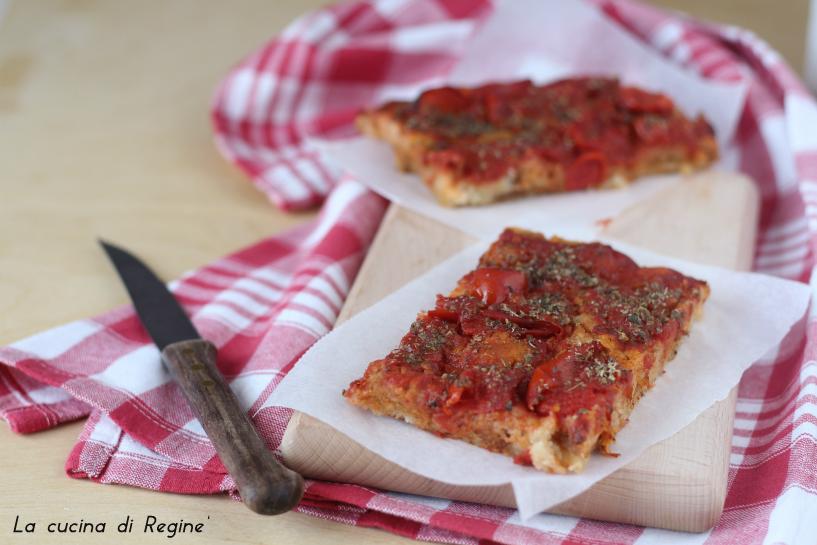 Pizza di pane raffermo (ricetta del riciclo)