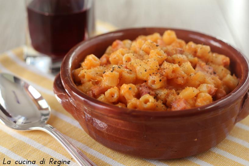 pasta-patate-pancetta-e-provola