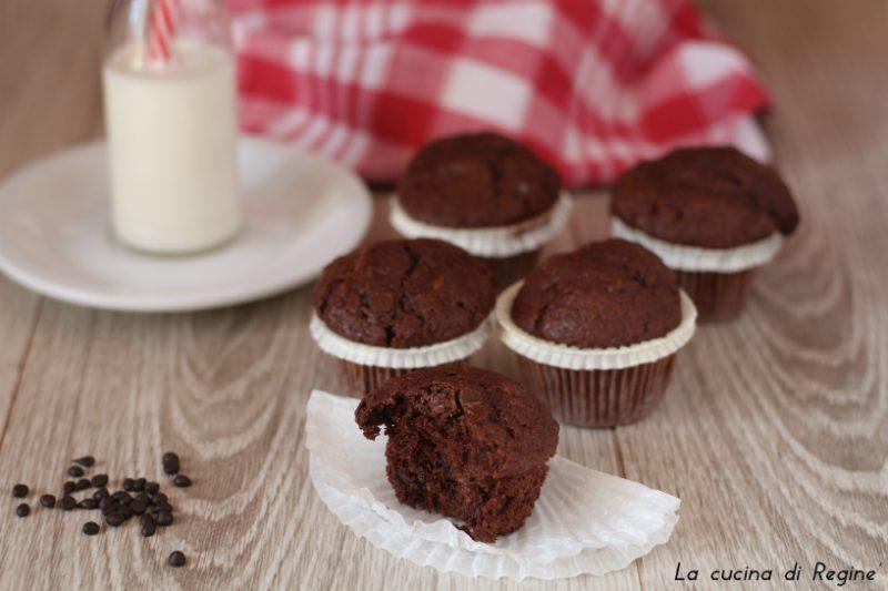Muffin al cioccolato morbidi e golosi