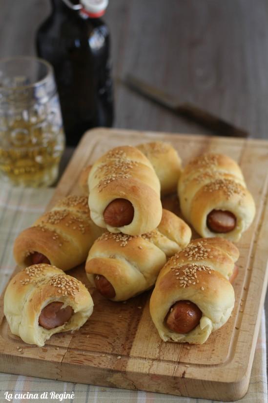 Hot dog in pasta brioche da vera rosticceria la cucina for Cucinare hot dog