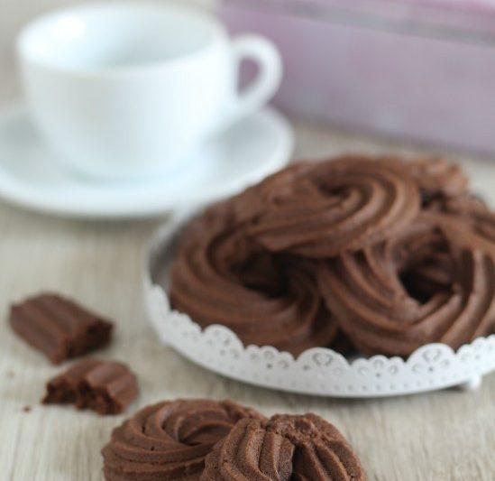Frollini al cacao pronti in trenta minuti