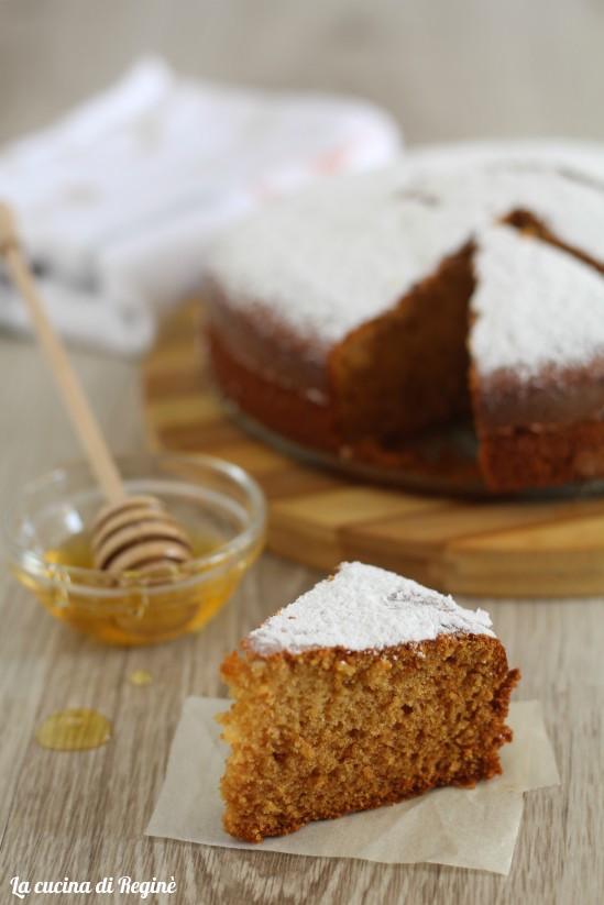 Torta al miele soffice e senza zucchero