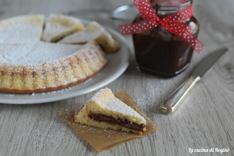 torta versata con crema alle nocciole