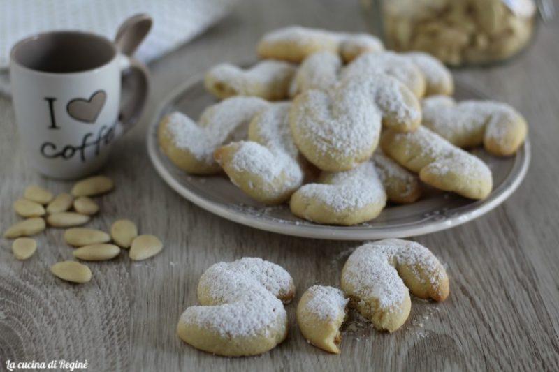 Biscotti greci, Kourabiedes