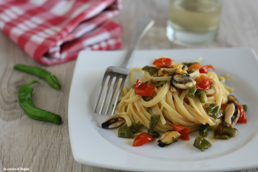 Linguine cozze e peperoncini verdi