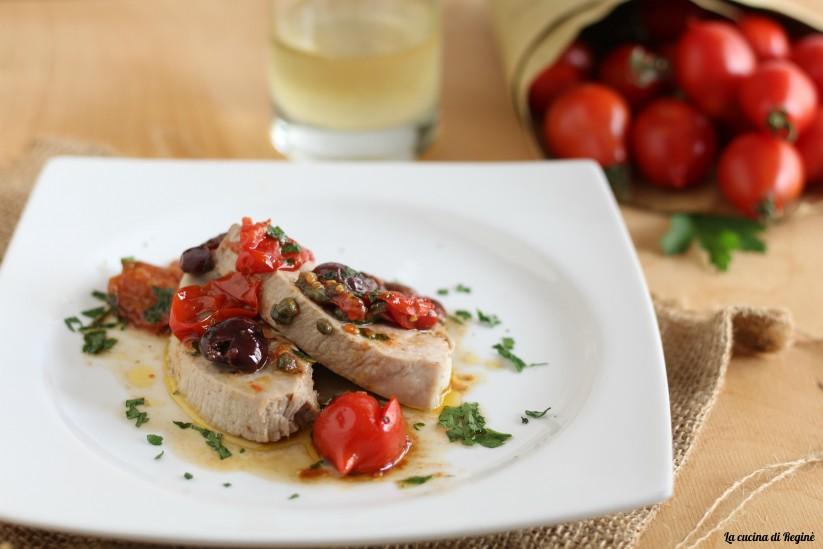 ventresca di tonno in padella con pomodorini
