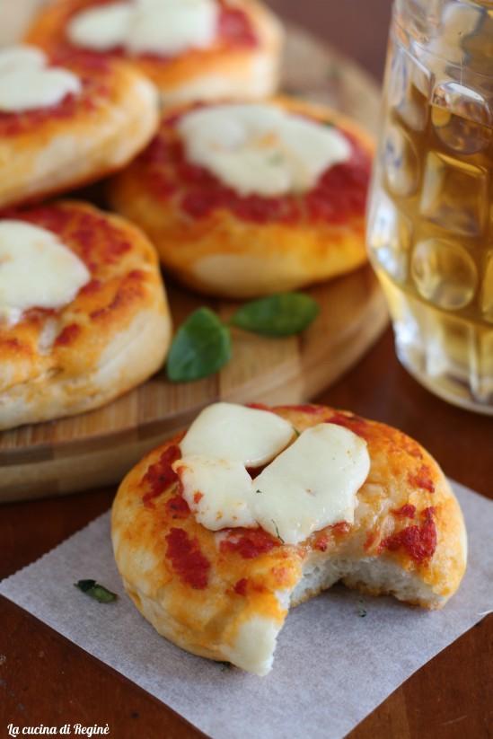 Pizzette con impasto da rosticceria