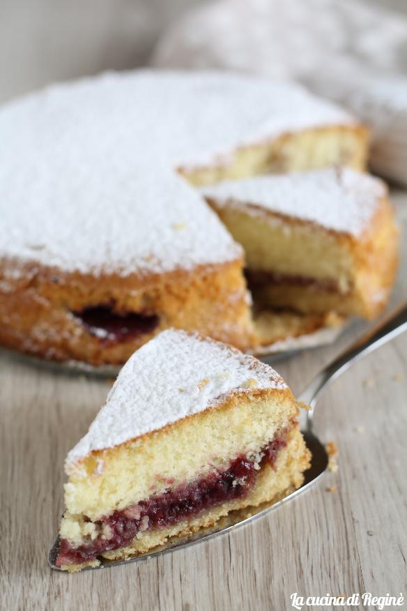 torta versata con confettura senza glutine