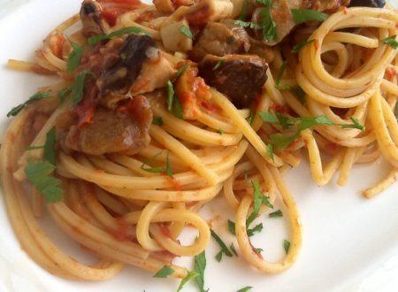 Spaghetti quadrati con pesce e funghi surgelati