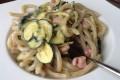 Pici zucchine, pancetta e stracchino