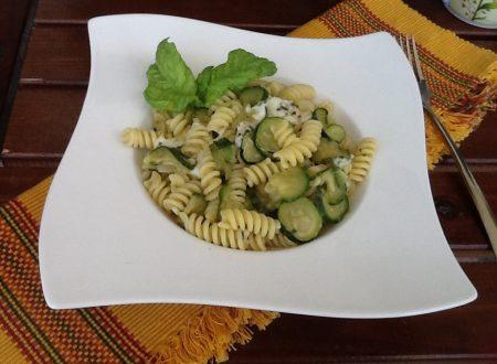 Eliche zucchine aromatizzate e provola