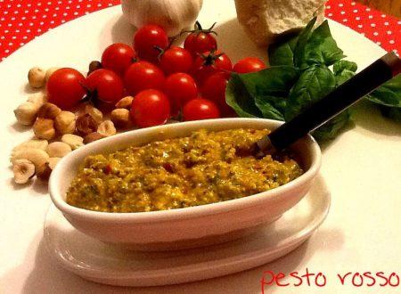 Pesto rosso con pomodoro fresco, nocciole e mandorle