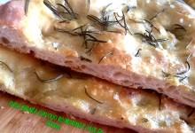 Pizza bianca con olio rosmarino e sale di cervia