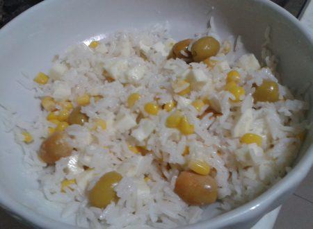 Insalata di riso mais mozzarella olive