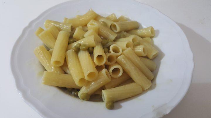 Pasta con piselli