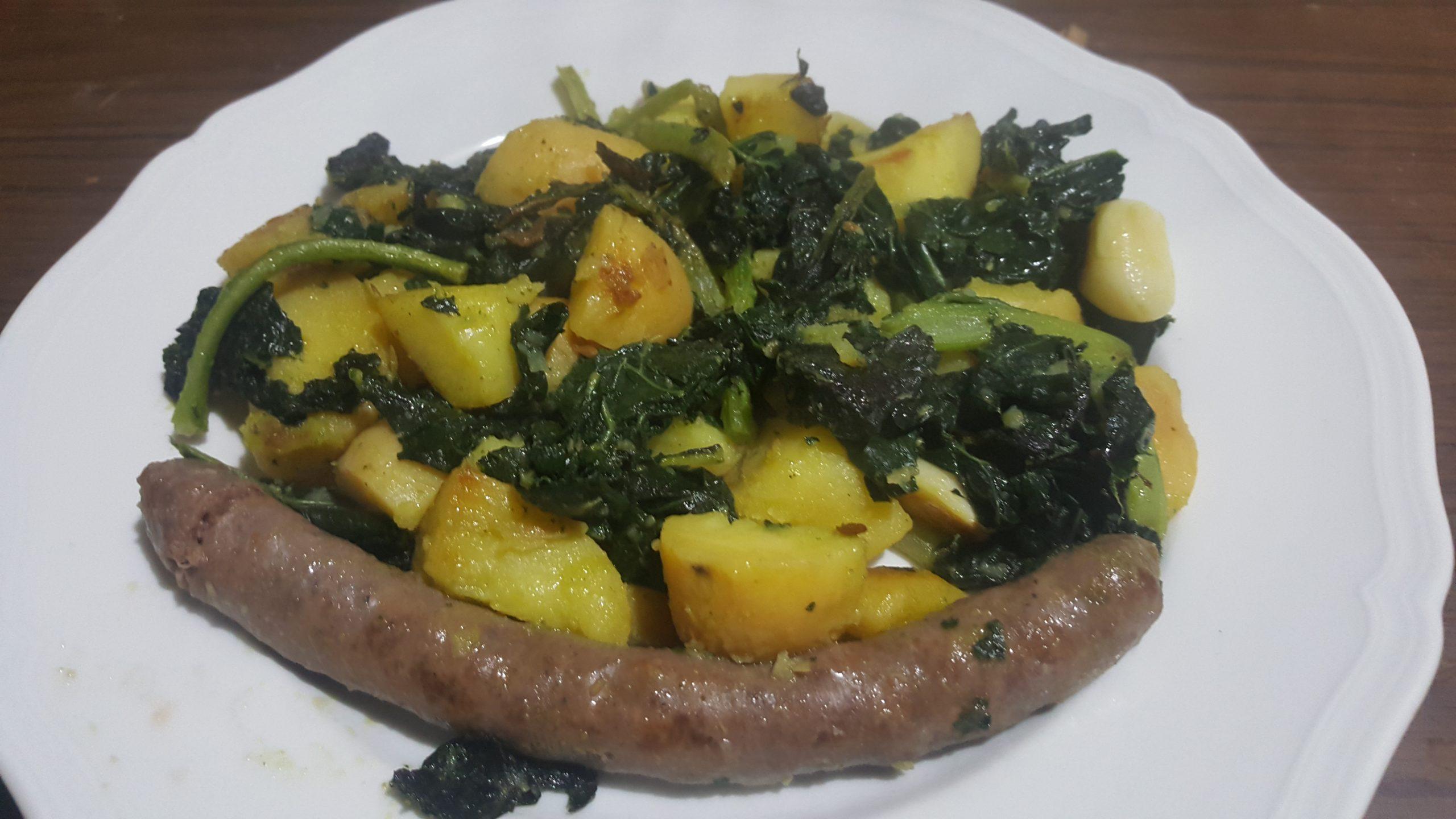 Cavolo nero patate e salsiccia