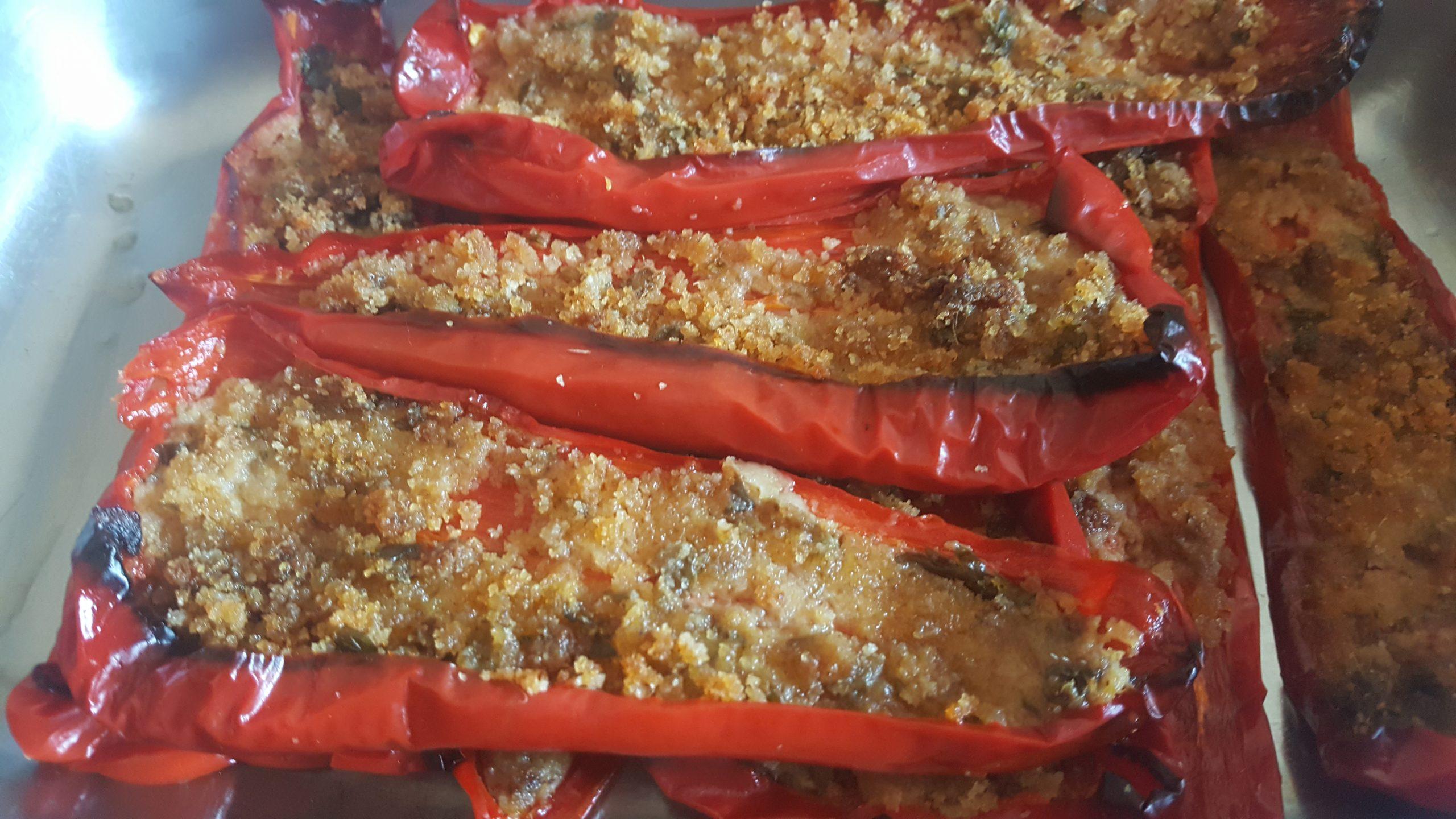 Peperoni ripieni alla pugliese