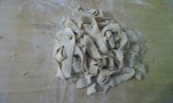 Tagliatelle fatte a mano aromatizzate alla cannella