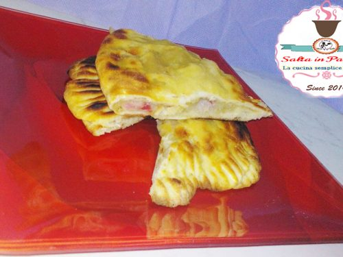 Calzone ripieno con patate parmigiano e Fiocco