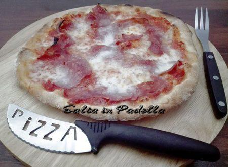 Pizza al salame lievitata 48 ore con lievito madre