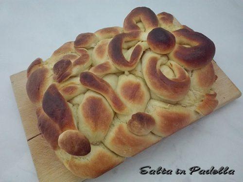 Canestro di pane di Sara Papa con lievito madre e scorza d'arancia