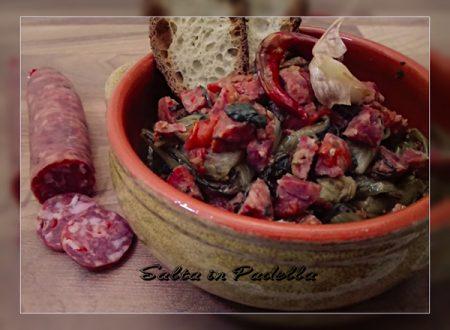 Cicoria ripassata con pomodoro e Salsiccia Pezzente