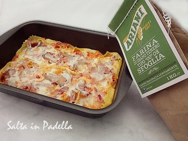 Cartellate di pasta al forno con funghi mozzarella e prosciutto