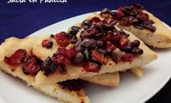 Focaccia pomodorini sottolio e olive Taggiasche