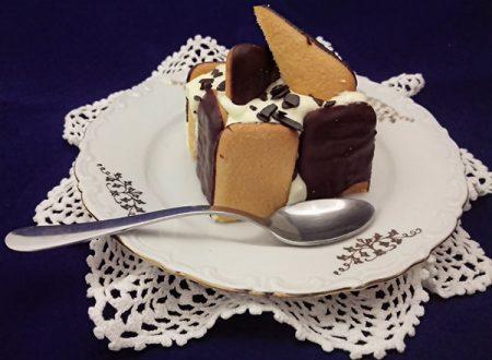 Charlotte con crema pasticcera al cioccolato bianco