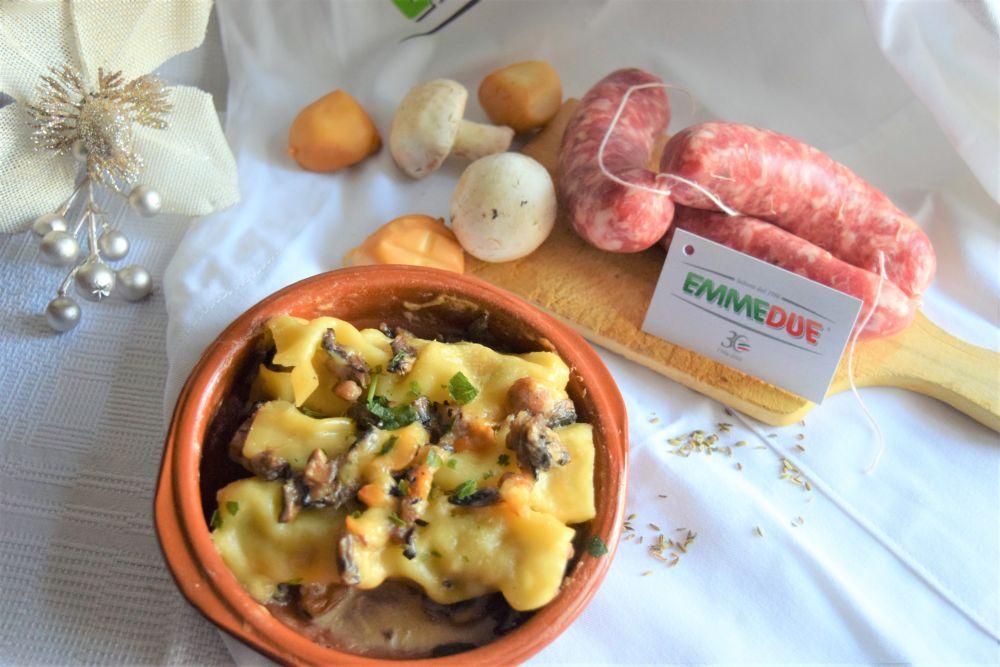 Cannelloni con salsiccia, funghi e provola affumicata