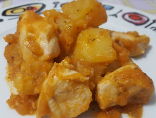 bocconcini di pollo con patate alla paprika dolce