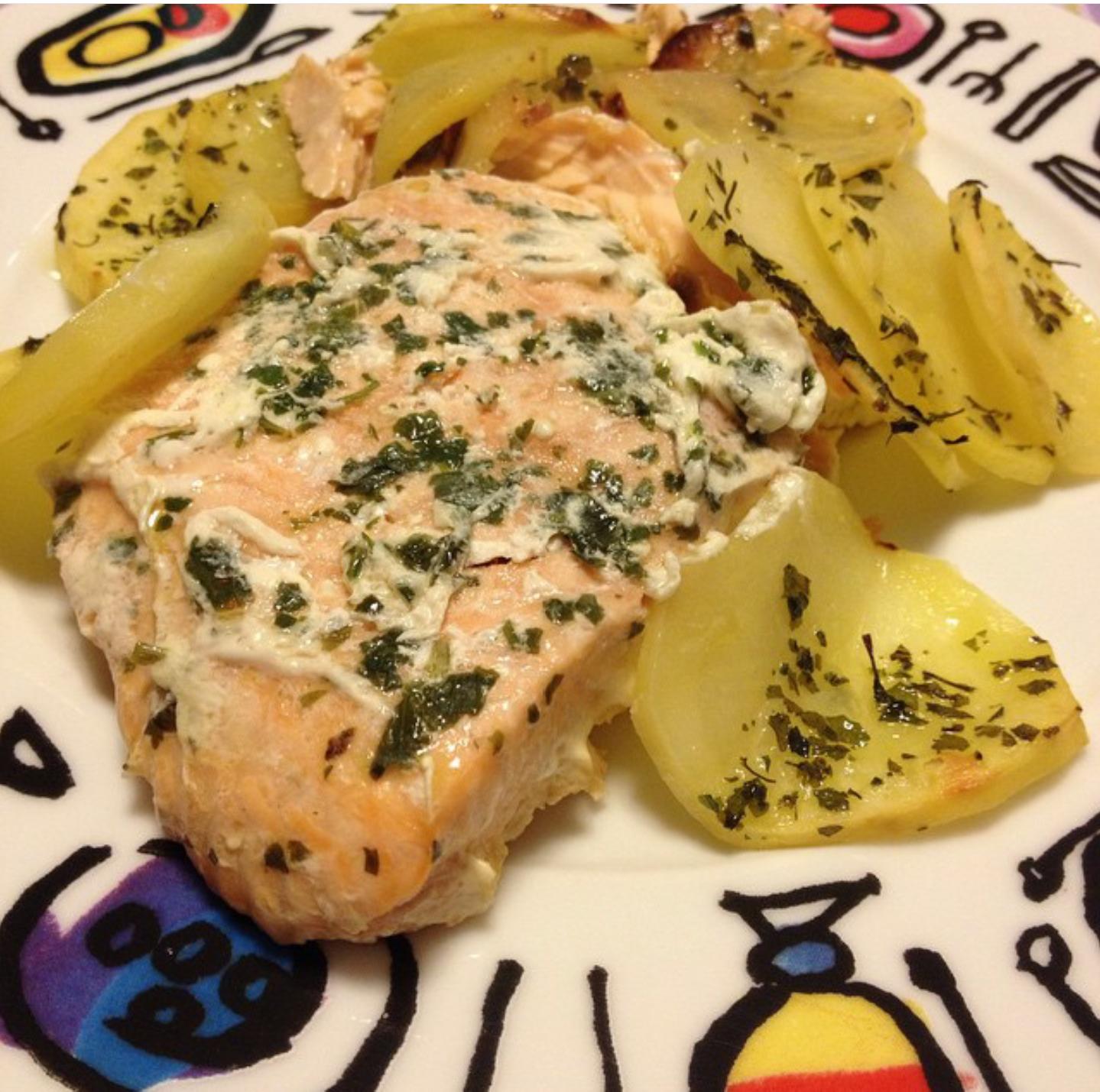Ricetta Salmone Con Patate Al Forno.Salmone Con Patate Al Forno Una Mamma In Cucina