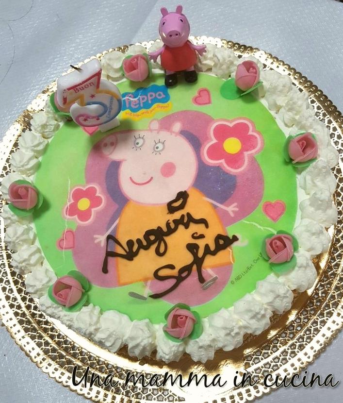 torta di compleanno con crema diplomatica