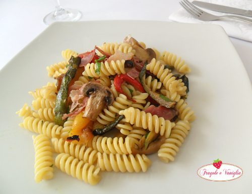 Pasta Funghi e Verdurine con Speck croccante