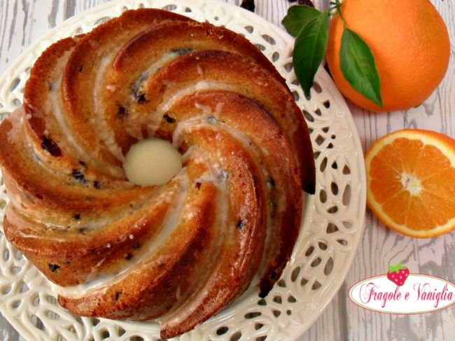 Bundt cake all'arancia e mirtilli rossi