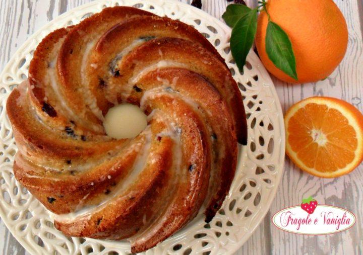 Bundt cake all'arancia e mirtilli rossi