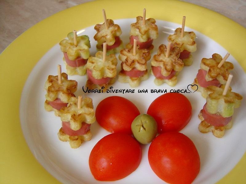 mini spiedini wurstel e zucchine