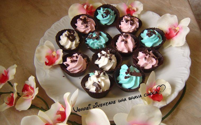 Pirottini di cioccolato con panna
