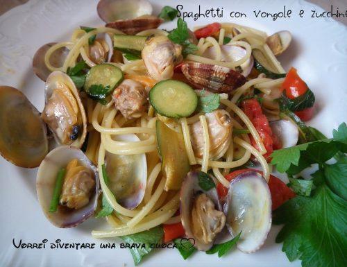 Spaghetti con vongole e zucchine