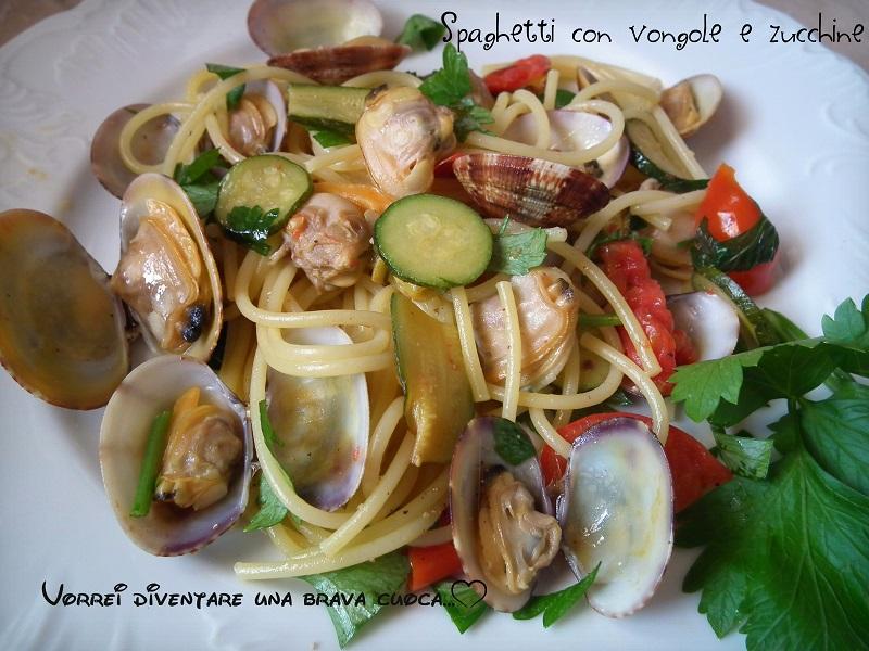 Spaghetti con le vongole e zucchine