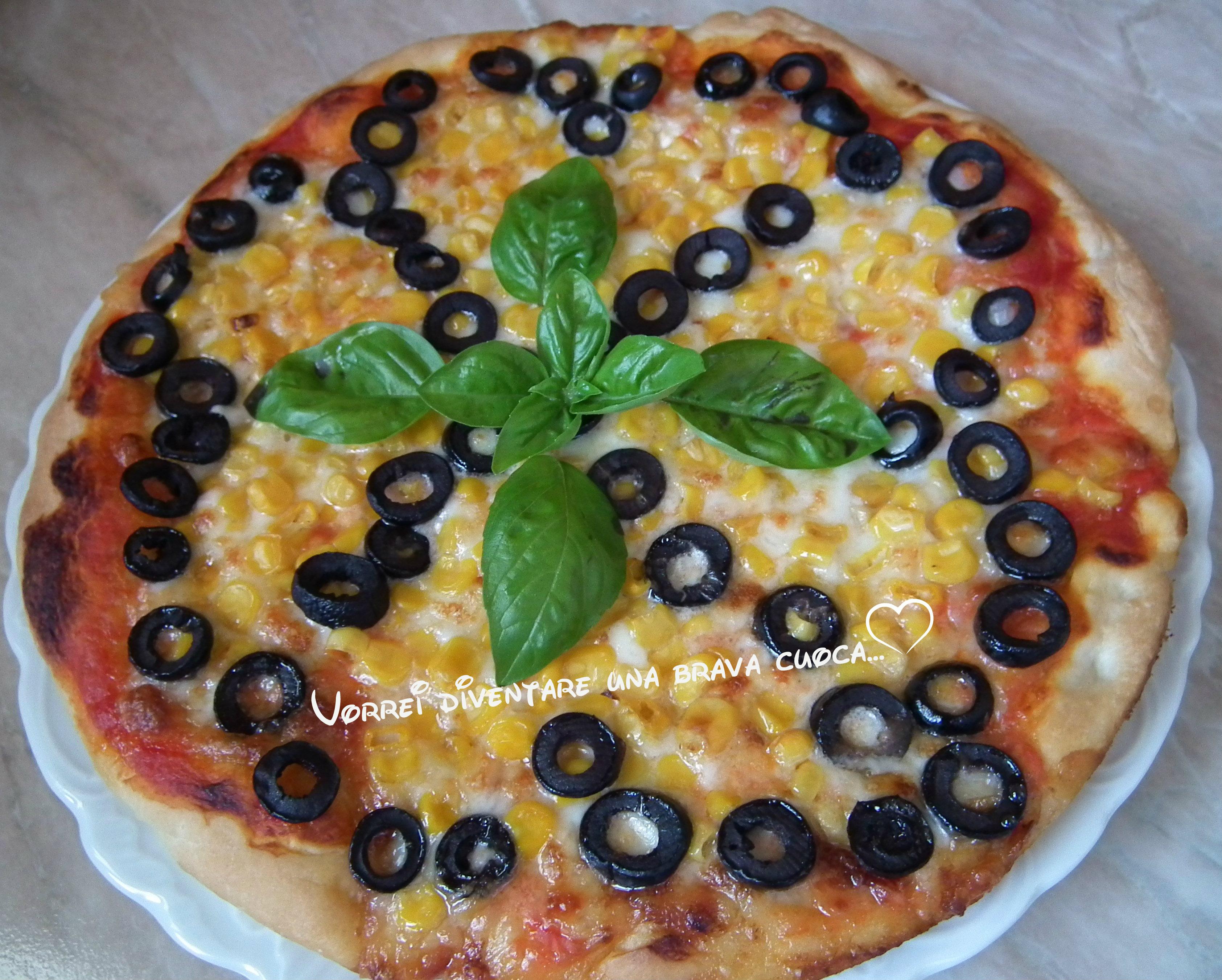 pizza con mais ed olive nere vorrei diventare una brava cuoca. Black Bedroom Furniture Sets. Home Design Ideas