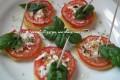 Tartine di patate e pomodori