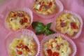 Mini-quiche con salame, scamorza e pomodorini