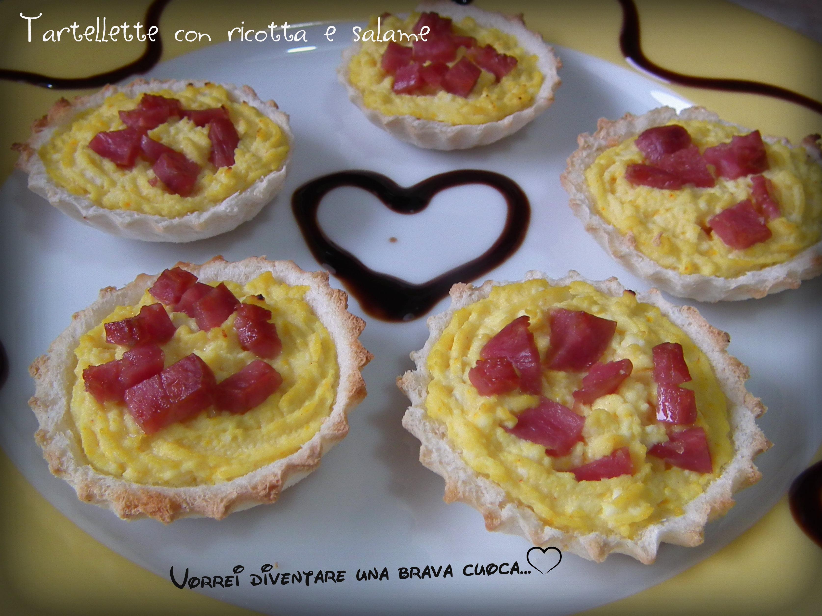 Tartellette con ricotta e salame
