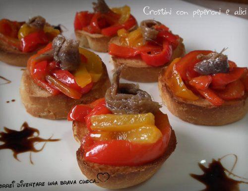 Crostini con peperoni e alici