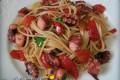Spaghetti con polpo e peperoni