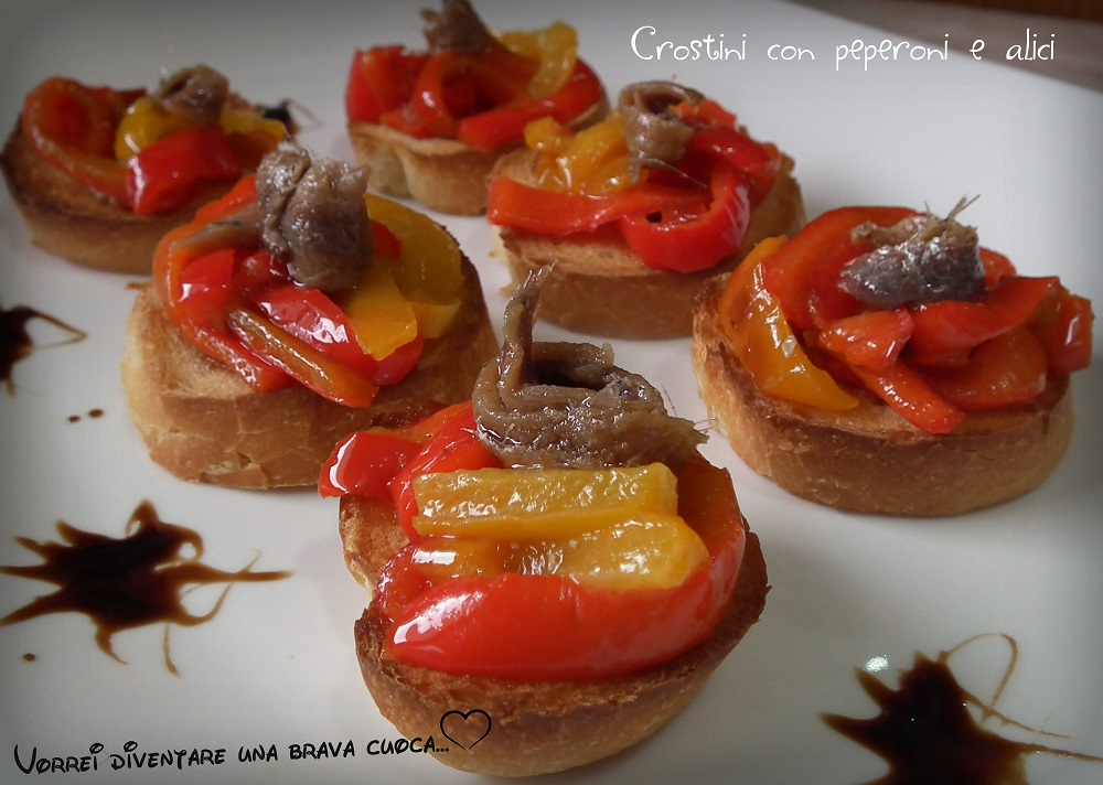 Crostini con peperoni ed alici