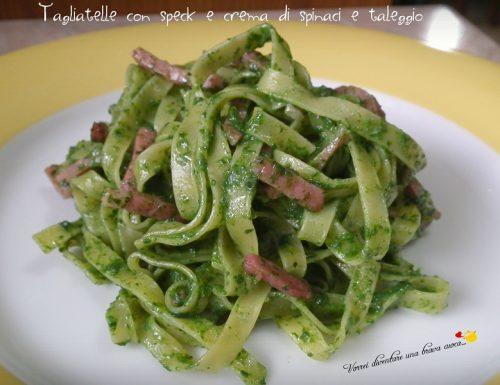 Tagliatelle con speck e crema di spinaci e taleggio
